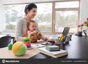 ibu bekerja di rumah