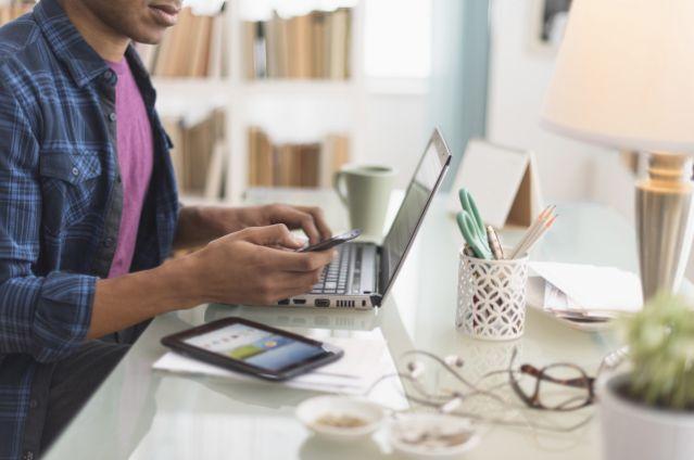 Workaholic Bisa Memicu Stress dan Gangguan Kesehatan Mental   Ilmu Pengadaan